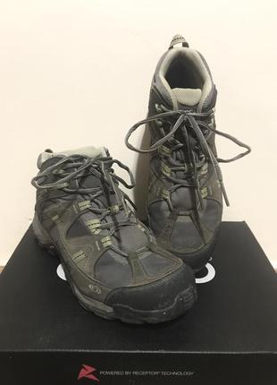 Крутые брендовые треккинговые туристические ботинки для горных походов пеших прогулок