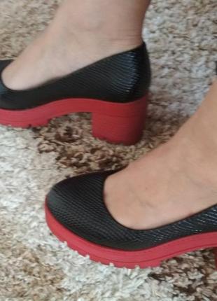 Красивые  туфли 38 р