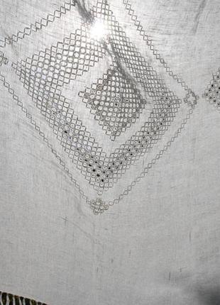 Скатерть со скандинавской вышивкой и кистями 140*200 см, лен 100%