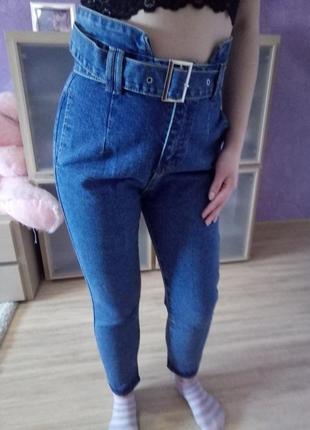 Новые джинсы мом