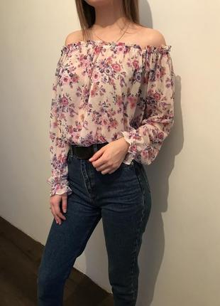 Блуза із спущеними рукавами