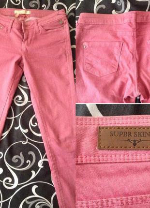 Розовые джинсы скинни (skinny). bershka.