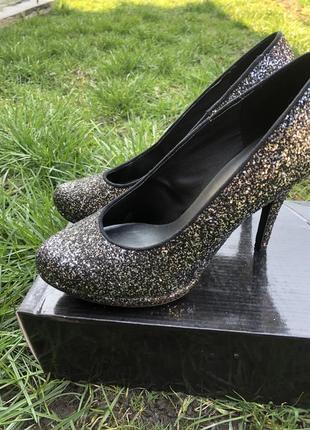 Жіночі туфлі graceland