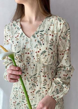 Платье в цветок1 фото