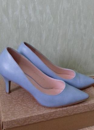 Туфли лодочки небесно-голубого цвета