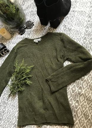 Шерстяной свитер цвета хакки