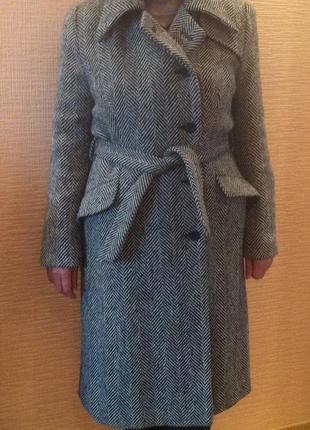 Новое пальто серого цвета р-р 38 , германия