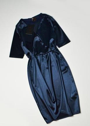 Роскошное темно-синее атласное платье с запахом2 фото