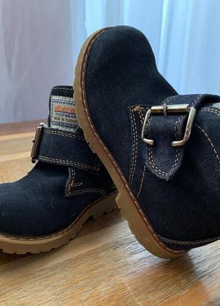 Крутые демисезонные замшевые ботинки 28р 17,5 стелька