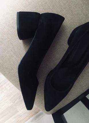 Новы черные замшевые туфли