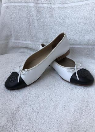 Балетки кожаные , чёрные белые , 37-37,5 massimo dutti