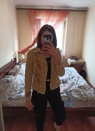 Куртка с цветами и бисером