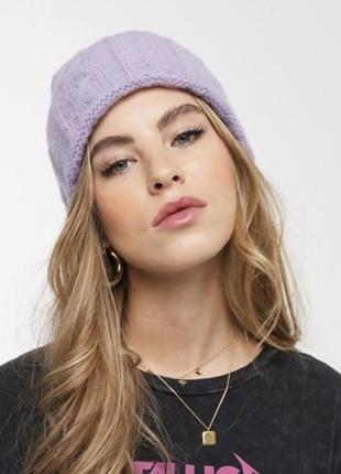 Лілова, фіолетова в'язана шапка asos design. шапка трендового кольору!
