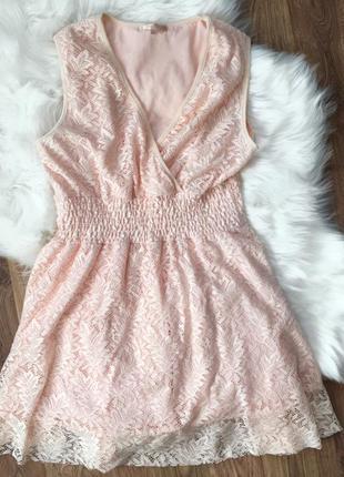 Платье в персиковом цвете 💕