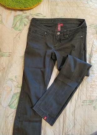 Шикарные фирменные джинсы люксового качества