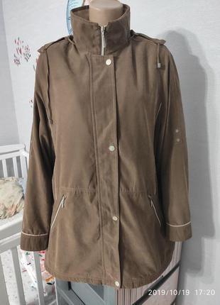 Удобная демисезонная курточкаот шотландского бренда balmoral, 18 размер