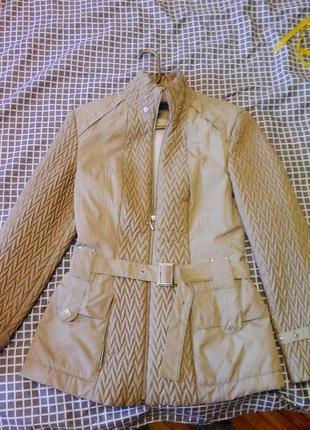 Женская куртка из плащевки осень-весна