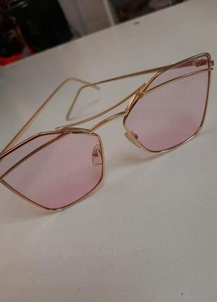 Очки розовые имиджевые солнцезащитные