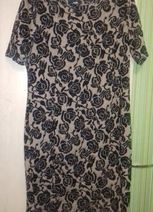 Красивое платье цвет капучино с чёрными розами 50-52р.