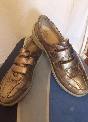 Супер легкие,полностью кожаные кроссовки,от бренда waldlaufer
