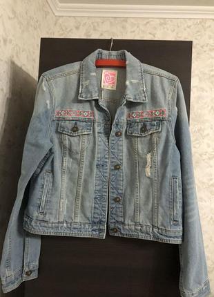 Джинсовая куртка ardene, новая!