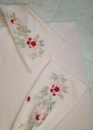 1+1=3 нежно-розовый плотный свитер marks&spencer с вышитыми рукавами, размер 46 - 485 фото