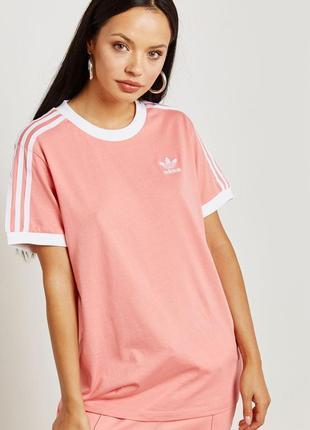 Супер крутая женская футболка adidas размер 14/м