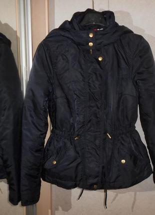 H&m мегастильная темно-синяя деми куртка, р.s-m