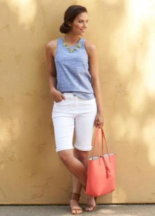 Белые шорты s