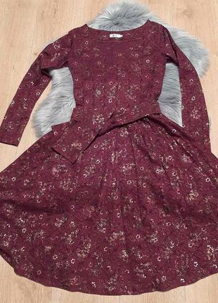 Стильное дорогое кружевное платье бордо