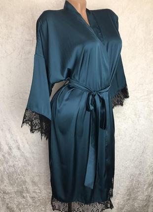 Новый шелковый халат с кружевом