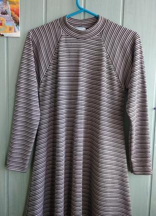 Уютное и стильное платье, туника расклешенного фасона