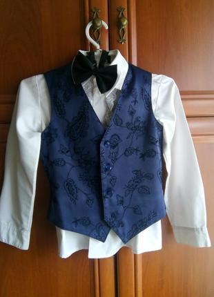 Нарядный костюм для мальчика на рост 104-110-116 см