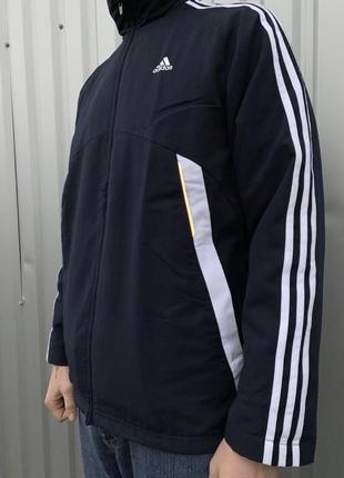 Ветровая куртка