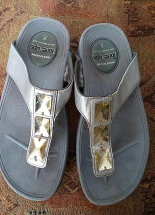 Брендовые шлепки,босоножки,сандали1 фото