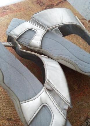 Брендовые шлепки,босоножки,сандали5 фото