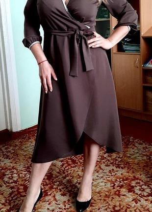 Платье очень нарядное новое