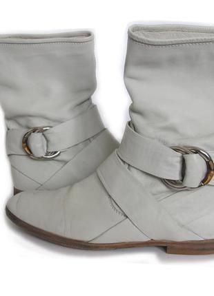 Gucci світло-сірі чоботи
