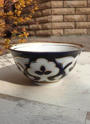 Пиала для чая пахтагуль золотая синяя. ташкент, узбекистан