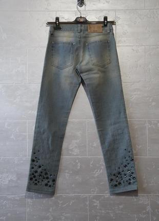 Красивейшие фирменные джинсы со стразами