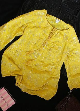 Шикарная актуальная красивая натуральная блуза в цветочный принт с кисточками