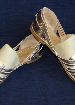 Сандалии женские кожаные золотистые new look