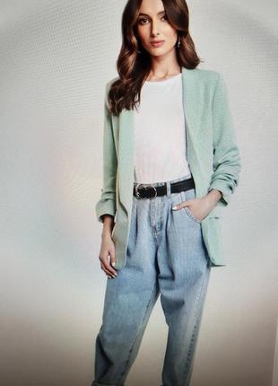 Базовый светлый пиджак