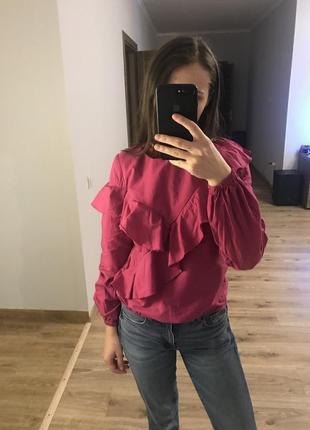 Очень красивая блуза с рюшками