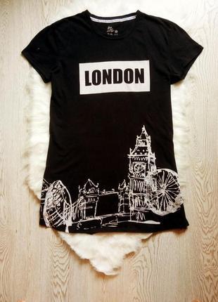 Черная натуральная длинная футболка туника бедровка с белым принтом рисунком надписями