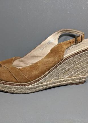Туфли, босоножки на танкетке maddison