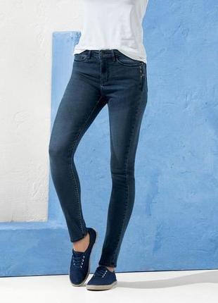 Стильные женские джинсы скинни с вышивкой,esmara. размер евро 40