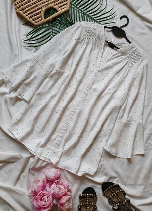 Красивенная белая блуза в горошек точки в крапочку  с рюшами на рукавах