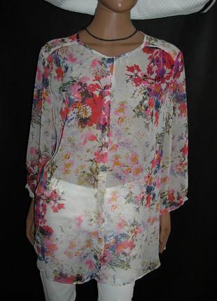 Летящая женственная блуза с цветочным узором wallis