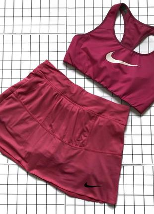 Комплект спортивный топ юбка/шорты nike р.xs